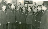 1965г.Ю.Гагарин на встрече с летчиками.