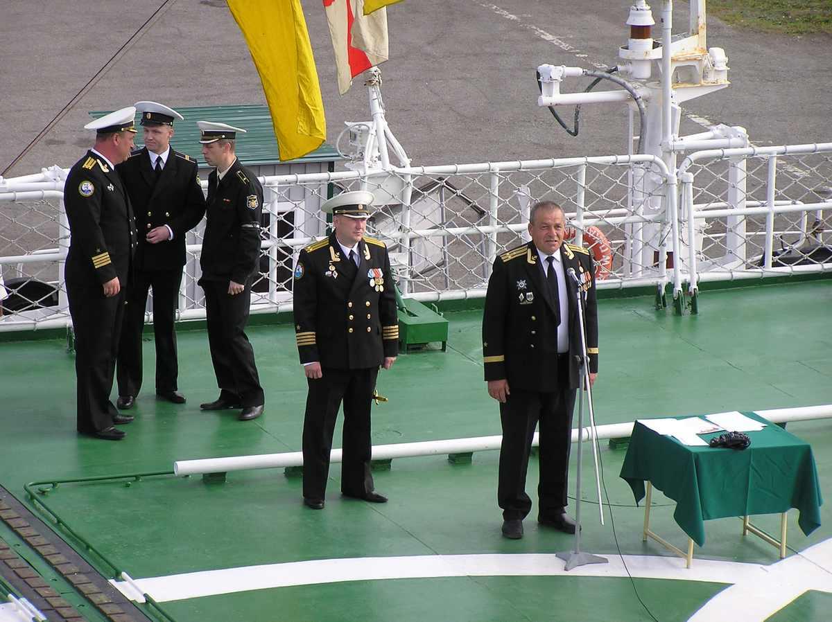 награждение знаком командир корабля